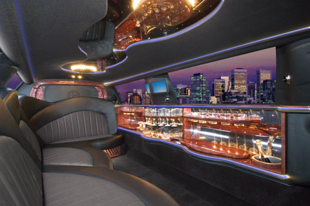 black 2004 stretch120 Lincoln limo interior